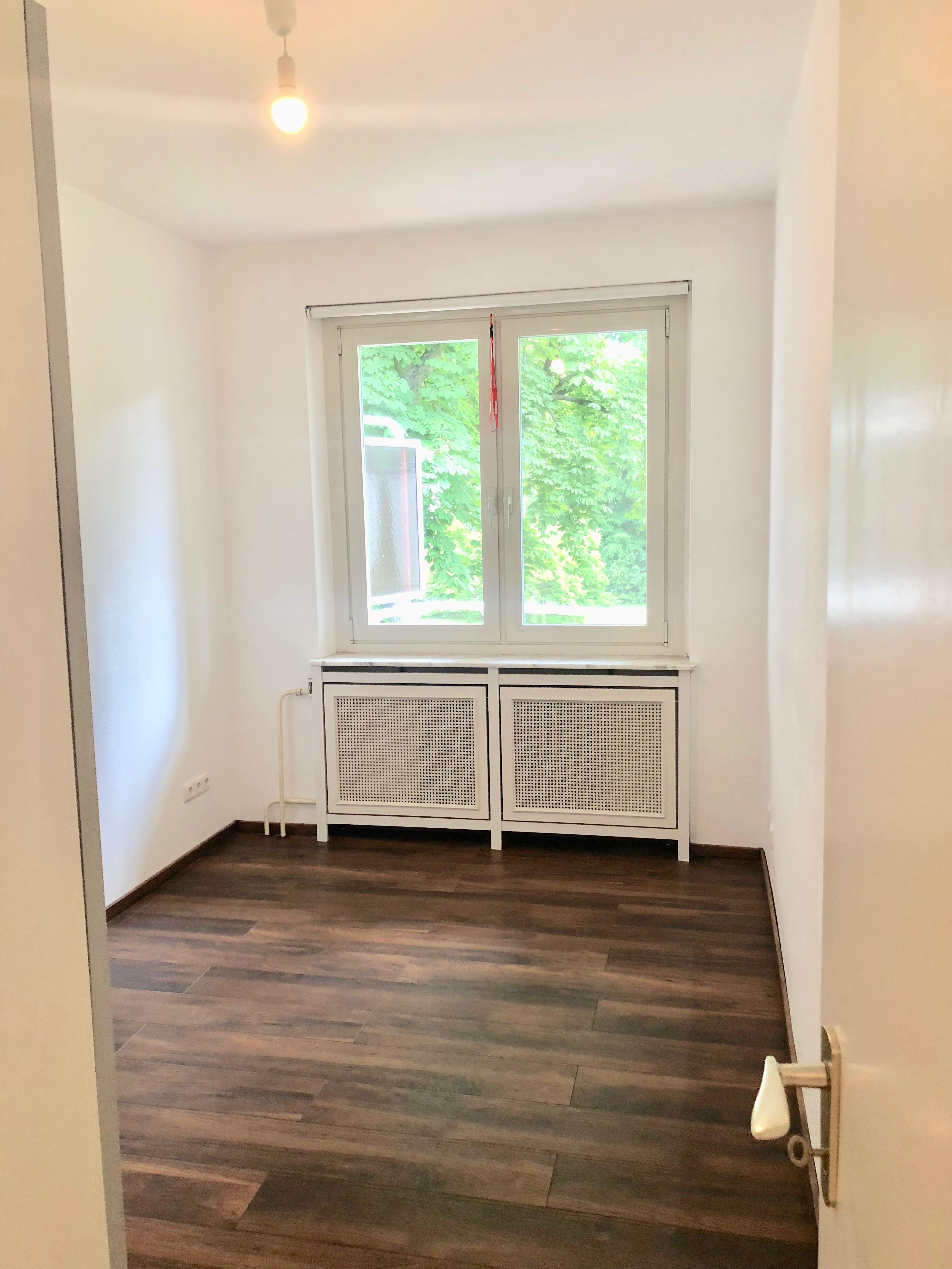 Berlin Koenigsallee – 2-Zimmer Grunewald am Hundekehlesee